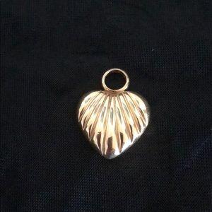 Jewelry - 14K gold heart charm